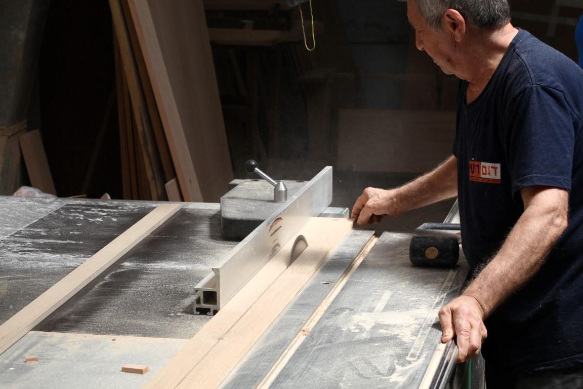 תכנון וביצוע דגם רהיטים