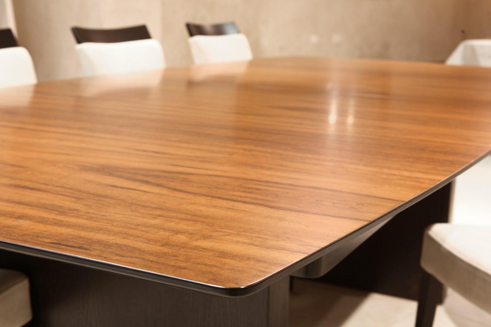 שולחן אוכל דגם רהיטים